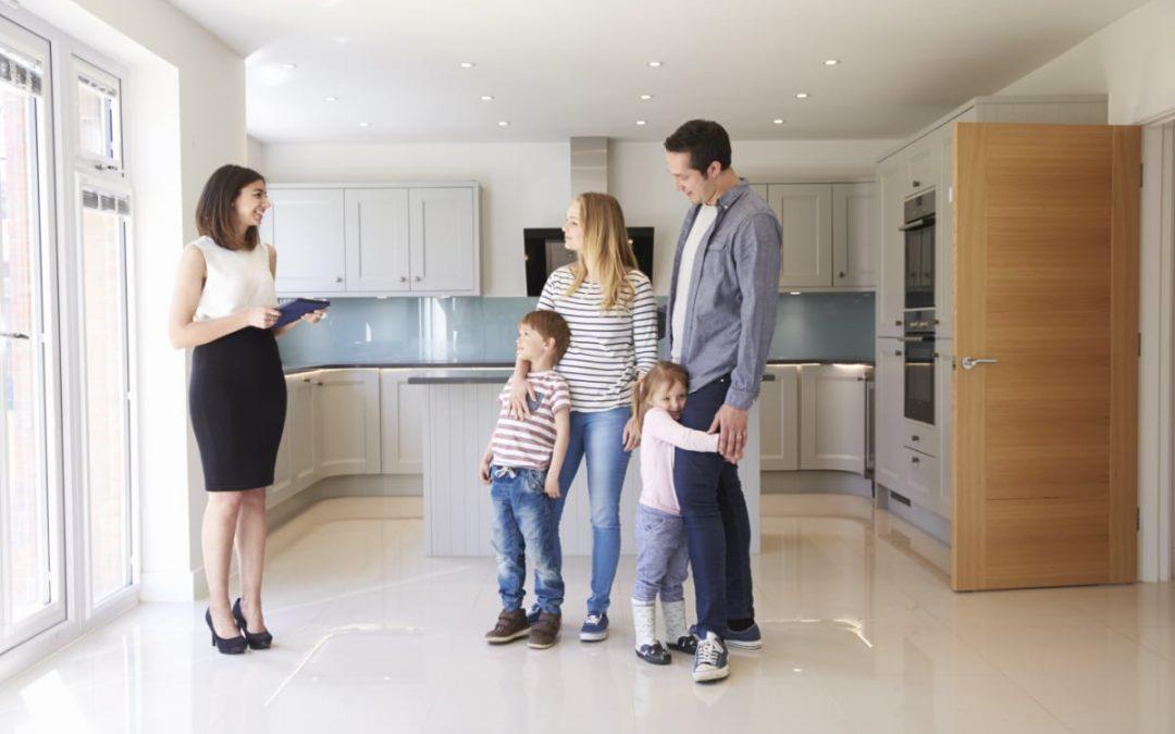 Que faut-il regarder quand on visite un bien immobilier ?